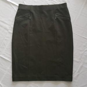 ⚡3/$30 womens skirt size 4